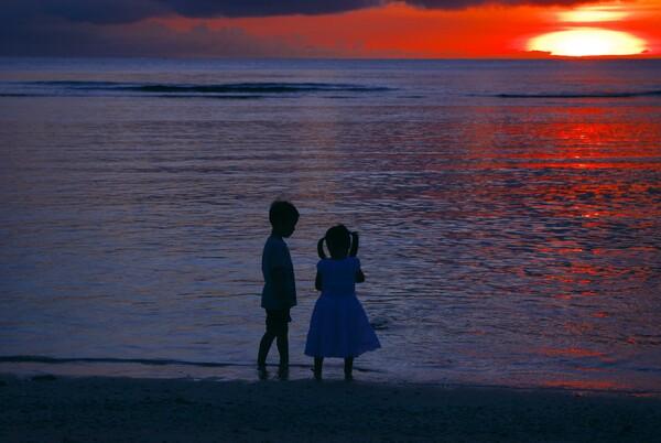 【ザ・ワールド】タモン湾に沈む・・・