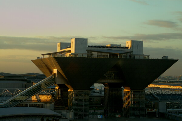 Tokyo Big Sightの夜明け