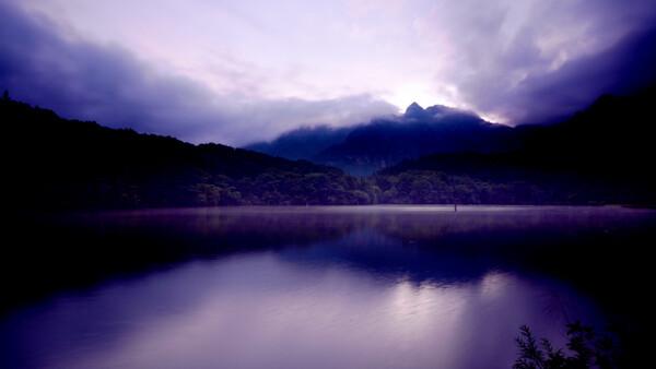 戸隠鏡池の夕景