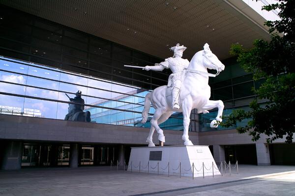 【写真しりとり】スフォルツァ騎馬像→「う」