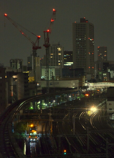 東海道新幹線保線車両と山手線始発電車