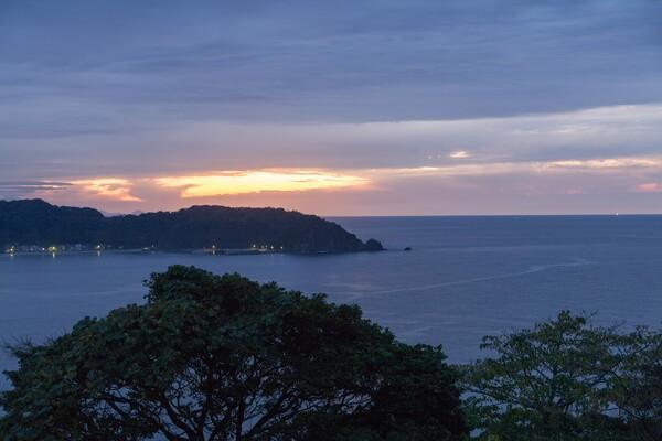 陸上岬からの夕暮れ-2。