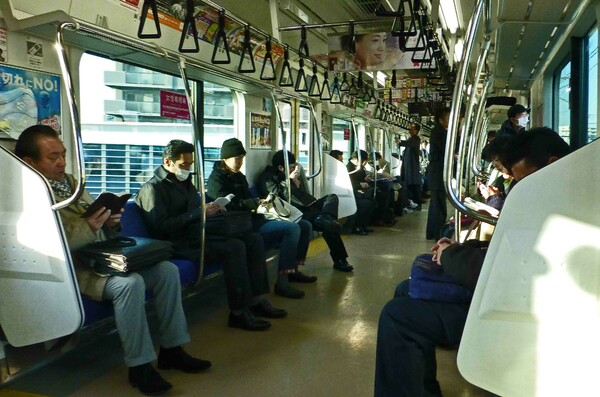 JR京浜東北線にて(北行)