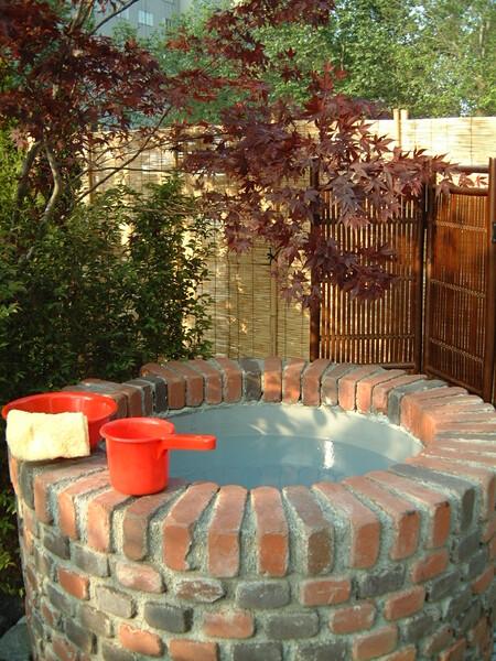 なんと露天風呂の庭は