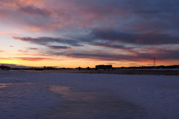 雪景色の朝焼け