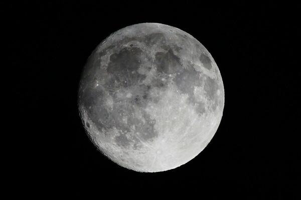 ニコンレンズで月を