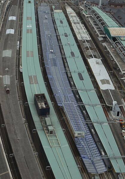 東京駅の太陽光発電パネル