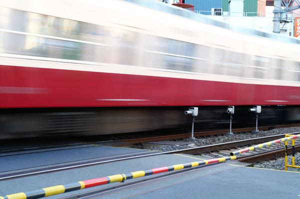 『鉄』疾走する電車