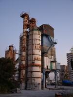 夕暮れの工場