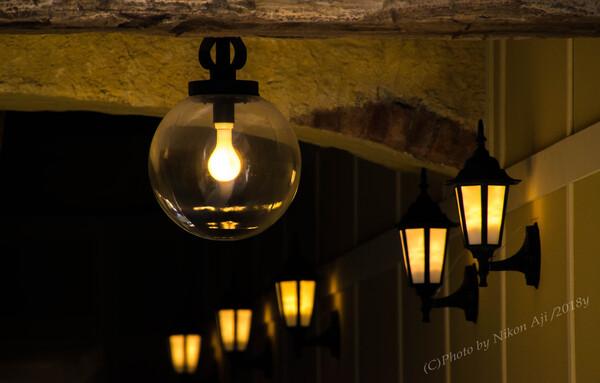 燈る『灯りと影』