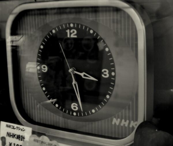 【モノクロ】アナログ時計