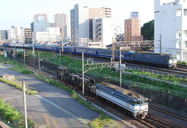 機関車並走