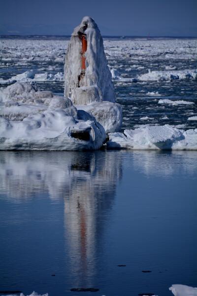 流氷と灯台