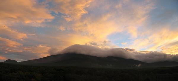 パノラマ画像:浅間山の夕焼け