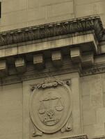 銀行の外壁