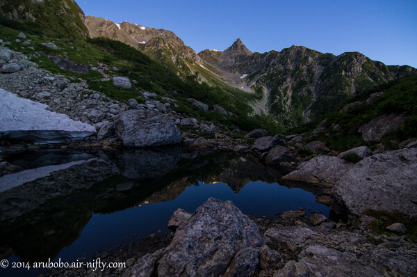 山頂で夜明けを迎えた翌朝は
