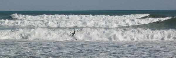 波間のイナバウワー