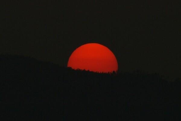 【変化】真っ赤な太陽