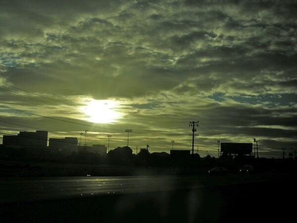 サンノゼへの夜明けの道