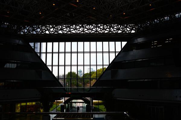 大阪城を望む
