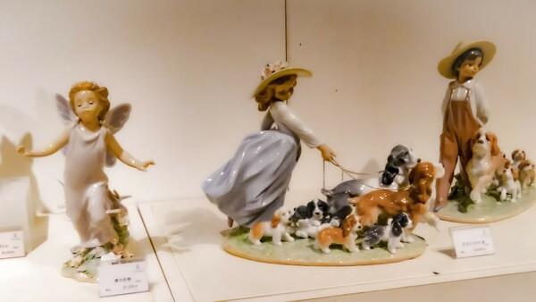 陶磁器の人形たち