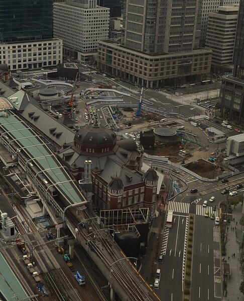 東京駅丸の内口駅前工事風景
